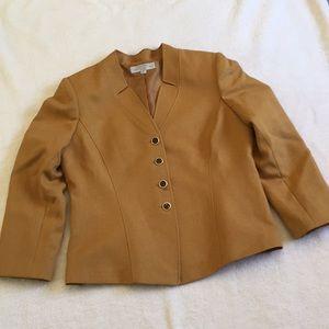TAHARI  button up blazer